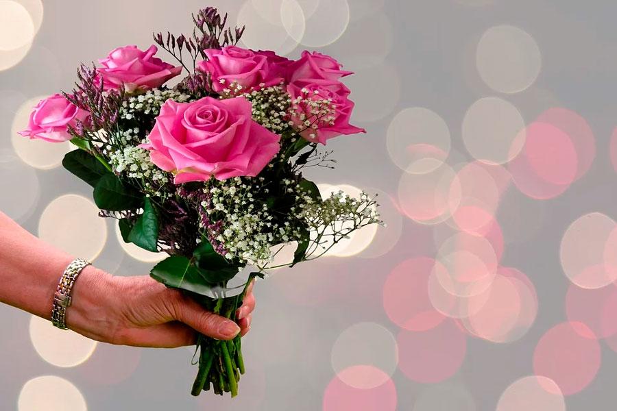 Всех милых женщин поздравляю с праздником Весны!